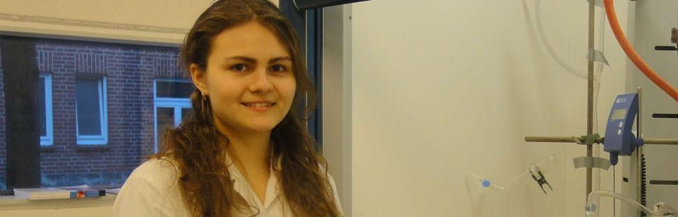 Hofmann Scholarship awarded to Jacobs chemistry student Anastasia Resetnic
